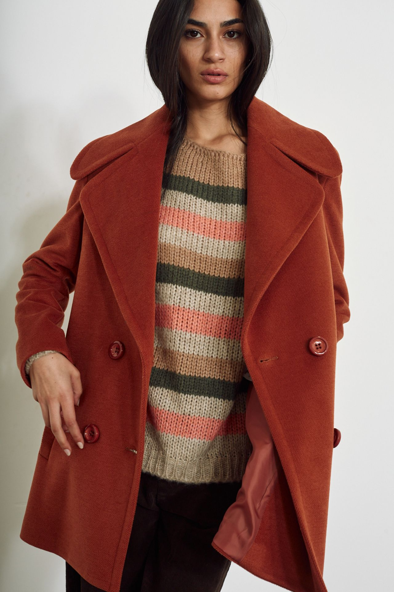 Cappotto con collo over ruggine - Autunno 2020 - Inverno 2021 | Brend